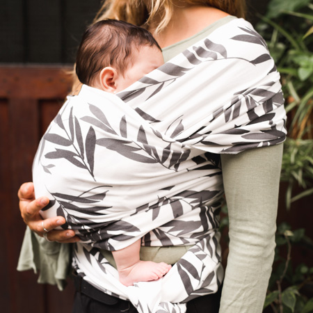 leaves baby wrap in organic cotton